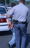 La police arrête un sujet image libre de droits