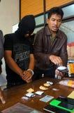 La police arrête le trafiquant de drogue Images stock