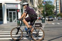La police de New York City fait du vélo le peloton Photo libre de droits