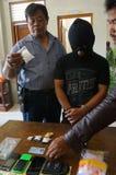 La polizia arresta il trafficante di droga Fotografie Stock Libere da Diritti