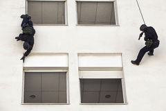 La polizia assale la squadra 021 Immagini Stock Libere da Diritti