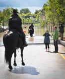 La polizia 2013 dell'inondazione di Calgary sorveglia Fotografie Stock
