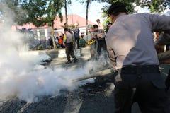 La polizia ha messo fuori il fuoco immagini stock