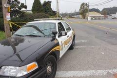 La polizia studia la fatalità dell'autoveicolo Immagini Stock Libere da Diritti