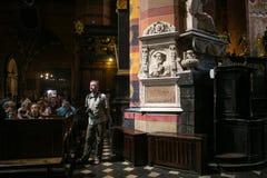 LA POLOGNE, CRACOVIE - 27 MAI 2016 : À l'intérieur de St Mary médiéval &#x27 ; église de s à Cracovie Photographie stock