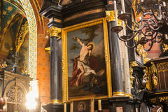 LA POLOGNE, CRACOVIE - 27 MAI 2016 : Éléments d'intérieur à St Mary médiéval &#x27 ; église de s à Cracovie Photographie stock libre de droits