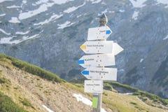 La Pologne, montagnes de Tatra, poteau indicateur Photographie stock libre de droits