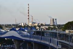 La Polonia, Cracovia 30 luglio - 2017 Vista della ferrovia e di termo e Fotografia Stock Libera da Diritti
