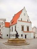 La Polonia, Poznan - vecchia fontana del mercato della città Fotografia Stock