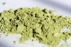 La polvere di tè giapponese spalmata nel sole è verde molto bello fotografia stock libera da diritti