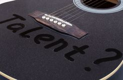 La polvere sulla chitarra Il talento dell'iscrizione fotografie stock