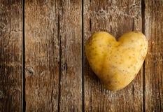 la pomme de terre de coeur a formé Photo libre de droits