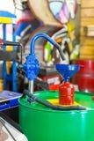 La pompa di olio manuale Immagini Stock