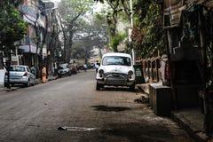 La porción pasada de coches del embajador fotografía de archivo libre de regalías