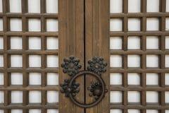 La porta della casa tradizionale coreana Fotografia Stock