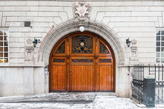 La porta di entrata di legno di Odd Fellows a Stoccolma Fotografie Stock