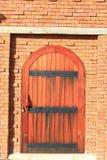 La porta di legno Fotografie Stock Libere da Diritti