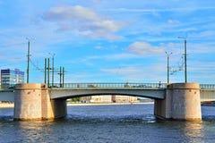 La portata centrale del ponte del granatiere attraverso il fiume Bolsha fotografie stock libere da diritti