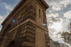 La Porte圣马丁在巴黎在10月下旬 免版税图库摄影