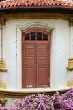 La porte à la vieille maison à Singapour Image libre de droits