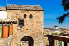 La porte Bab al-Mardum, ou Puerta de Valmardon, à Toledo, l'Espagne Image libre de droits