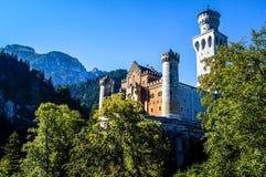 La porte d'entrée du château de Neuschwanstein photographie stock libre de droits