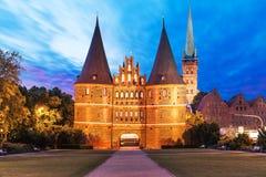 La porte de Holsten à Lübeck, Allemagne Images libres de droits