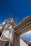 La porte de l'église catholique au Thibet Image libre de droits