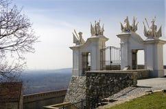 La porte avec les trophées de gain, château de Bratislava Photographie stock