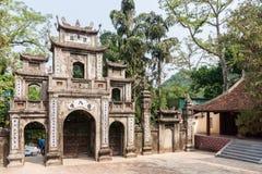 La porte de la pagoda de Thien Tru photos libres de droits