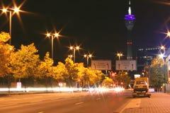 La porte moderne de ville de Dusseldorf images stock