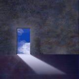 la porte ouvert le ciel à Photos libres de droits