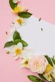 La postal adornó las flores Fotografía de archivo libre de regalías