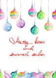 La postal, la tarjeta de felicitación o la invitación con la acuarela colorearon bolas de la Navidad Imagen de archivo libre de regalías
