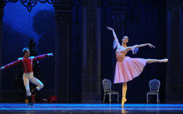 La poupée dans un casse-noix de ballet de prince et de jeu-Le de Clara Photographie stock