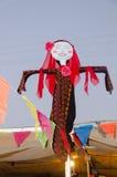 La poupée dans une robe de mariage arabe bédouine traditionnelle Images stock