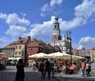 La Poznan-Pologne Vieille place avec du charme du marché de ville Images libres de droits