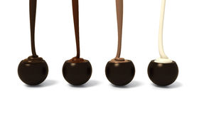 La pralina del cioccolato fondente ha messo in una fila con la creatina differente del chcolate Immagine Stock Libera da Diritti
