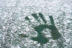 La première neige est tombée dans la ville photo libre de droits