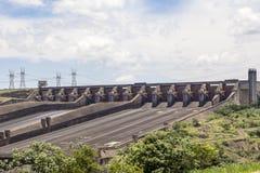 La presa de Itaipu, Foz hace Iguacu, el Brasil Fotografía de archivo