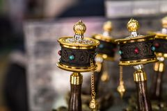 La prière de souvenir roule dedans le Thibet photographie stock
