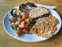 La prima colazione spagnola è servito in un ristorante fotografia stock libera da diritti
