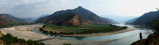 La prima girata del fiume di Yangzi fotografia stock