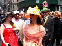 La primavera dei cappelli di parata di Pasqua colora New York Fotografie Stock
