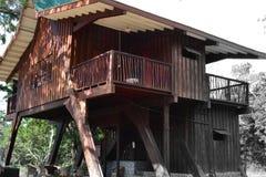 La primera casa en Asia el diseño de madera es especial imagen de archivo libre de regalías