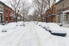 La primera tormenta de la nieve de la estación golpea Montreal, Canadá Fotografía de archivo