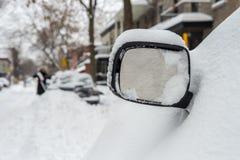 La primera tormenta de la nieve de la estación golpea Montreal, Canadá Imagen de archivo
