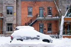 La primera tormenta de la nieve de la estación golpea Montreal, Canadá Fotos de archivo libres de regalías
