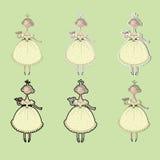La princesa con una rosa en su mano en un vestido amarillo Imagenes de archivo