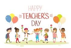 La prise de groupe de Day School Children de professeur fleurit la carte de voeux de vacances de ballons Images stock